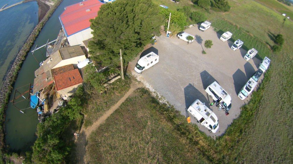 Aire camping-car à Mèze (34140) - Photo 1